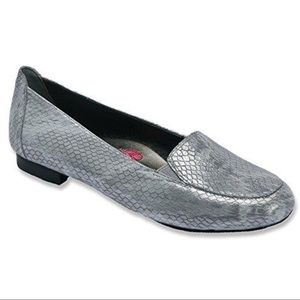 Ros Hommerson Regan Gray Loafer 10